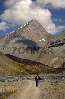 Wanderer auf der Hochebene Lämmerboden, Schweiz