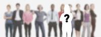 Bewerber und Mitarbeiter gesucht vor Gruppe Leute