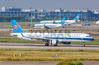 China Southern Airlines Airbus A321 Flugzeug Flughafen Guangzhou in China
