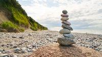 Stapel Steine in Balance als Zen Meditation Konzept