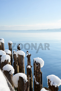 Deutschland, Baden-Württemberg, Bodensee, Überlingen am Bodensee, Winterlandschaft, Blick auf den Bo