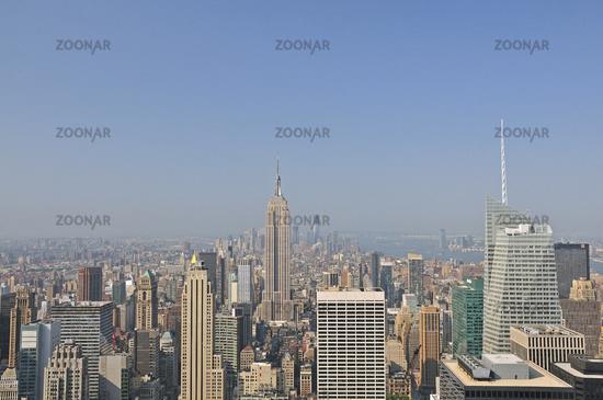 Panorama von der Aussichtsplattform Top of the Rock im Rockefeller Center auf das Empire State Building und nach downtown Manhattan, Manhattan, New York City, USA, Nordamerika, Amerika