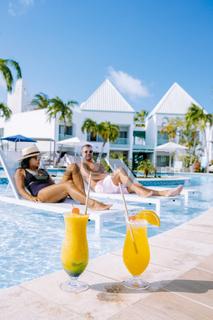 Luxury resort with swimming pool near Palm Beach Aruba