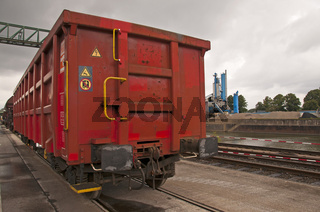 Offener Güterwagen Typ Eaos, offener Kastengüterwagen, Umschlagsterminal Westkai, Köln-Niehl, Nordrhein-Westfalen, Deutschland, Europa