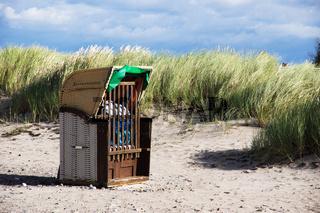 Strandlandschaft mit Strandkorb im Ostseebad Heiligenhafen