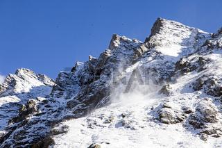 Kleiner Schneewirbel in den Alpen