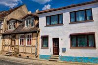 kyritz, deutschland - 03.06.2020 - neubau und altbau