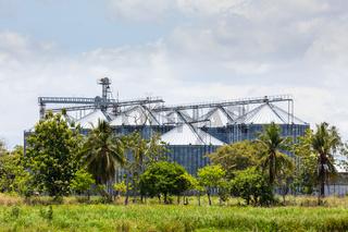 Panama David, farm commercial grain storage bins