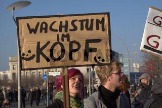 DEMONSTRATION, Occupy Bewegung, Berlin, 12.11.2011, Regierungsviertel, ATTAC, CAMPACT, 'Banken in die Schranken'
