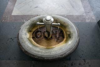 Trzni, öffentliche Thermalquelle