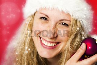 Frau mit Nikolausmütze