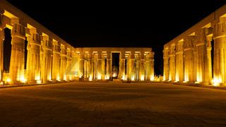 Säulensaal im Luxor Tempel