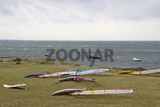 Surfbretter an der deutschen Ostseeküste