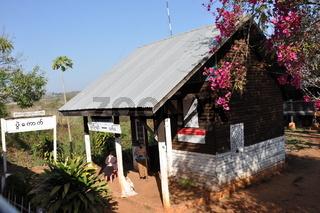 bahnhof in burma