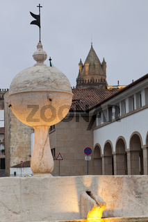 Fountain and Cathedral of Portas de Moura
