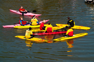 Rettungsschwimmer am Schwörmontag, 'Nabada',  ein traditioneller Ulmer Feiertag, Donau, Ulm, Baden.Württemberg, Deutschland, Europa