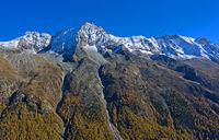 Leicht beschneite Gipfelkette mit Dent de Perroc, Val d'Hérens, Eringer-Tal, Arolla, Wallis, Schweiz