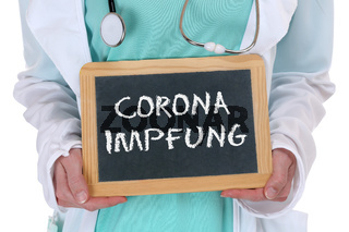 Coronavirus Corona Virus Impfung COVID-19 Covid 19 impfen Arzt Doktor Krankenschwester