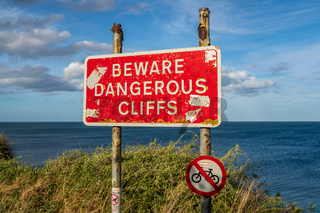 Sign: Beware dangerous cliffs