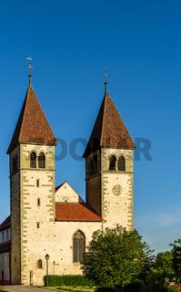 Die Basilika Sankt Peter und Paul in Niederzell auf der Insel Reichenau, Baden-Württemberg, Deutschland