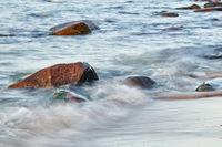 Ruegen Steine im Wasser