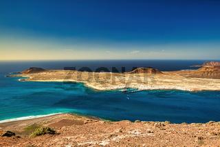 Neben der Kanareninsel Lanzarote liegt die Insel La Graciosa