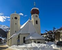 Pfarrkirche St. Anton am Arlberg, Tirol, Österreich