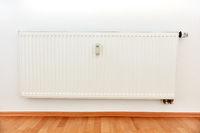 Heizkostenverteiler für Fernablesung an Heizung in Wohnung