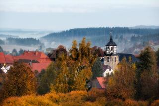 Straßberg Harz Herbst Impression Blick zur Schule