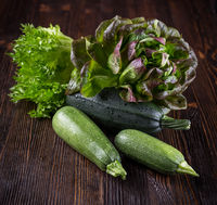 Zucchini with oakleaf lettuce