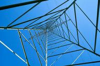 Stahlkonstuktion von einem Strommast