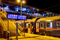 Nachts am Bahngleis