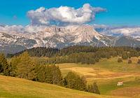 Seiser Alm, Alpe di Siusi, Suedtirol mit Blick auf die Geisler Gruppe