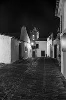 Monsaraz bei Nacht in schwarz-weiss, Alentejo, Portugal
