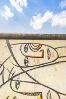 kubistische gesichter, east-side-gallery