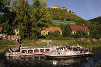 Schiffe auf der Unstrut bei Freyburg