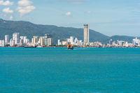 Die Insel Penang mit der Hauptstadt George Town im Norden von Malaysia