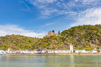 Burg Katz und St. Goarshausen am Rhein im Mittelrheintal