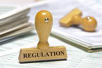 Holzstempel mit Aufdruck Regulation