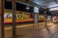 Stadtbahn Halt - nachts