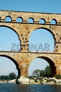 Pont du Gard detailed