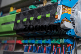 Elektronische Steuerung - Nahaufnahme, Elektrotechnik und elektrische Anschlüsse