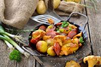 Kartoffelpfanne mit Cabanossi und Pfifferlingen