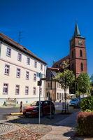 bernau bei berlin, deutschland - 30.04.2019 - altstadt mit kirche sankt marien