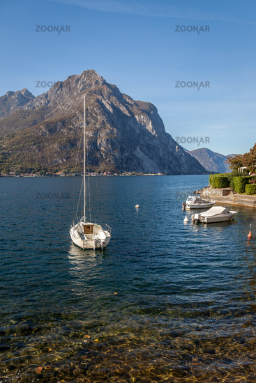 LECCO, ITALY/EUROPE - OCTOBER 29 : View of Boats on Lake Como at Lecco on the Southern Shore of Lake Como in Italy on October 29, 2010