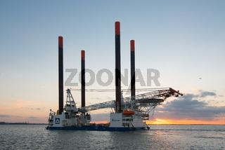 Errichterschiff Thor