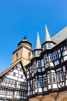 Das mittelalterliche Rathaus und die evangelische Walpurgiskirche in Alsfeld