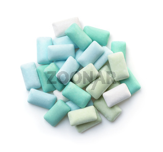 Sugar free mint chewing gum pieces
