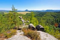Baerensteine in der Saechsischen Schweiz Blick auf Lilienstein und Koenigstein - mountain Baerenstein in the Elbe sandstone mountains, view to Lilienstein and Koenigstein
