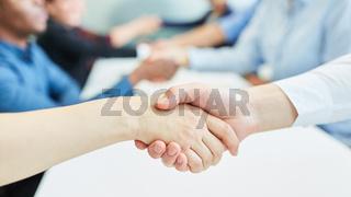 Handschlag als Konzept für Vereinbarung